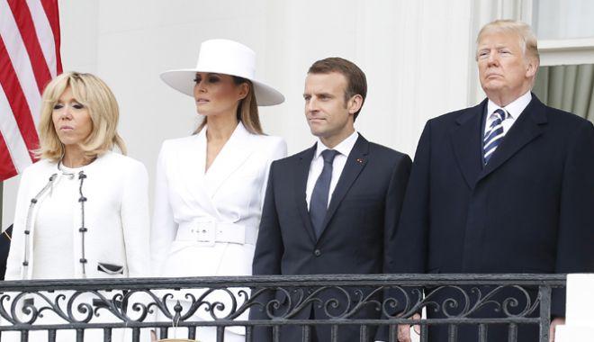 Foto: Macron, primit la Casa Albă cu 21 de salve de tun
