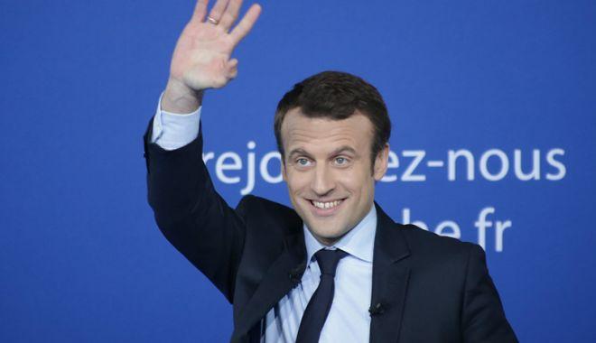 Foto: Emmanuel Macron, vizită la Papa Francisc