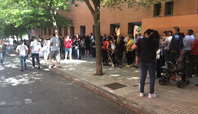 Români umiliți la vot, la Madrid.
