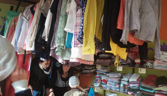 Foto: S-a deschis primul magazin de donaţii din Constanţa