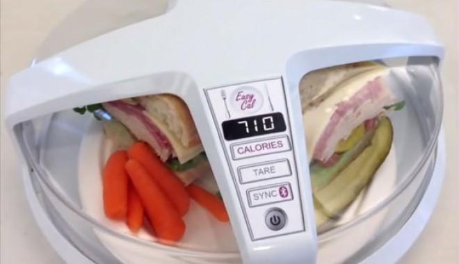 """Foto: Gadgetul care """"citeşte"""" caloriile din farfurie"""