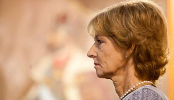 Foto: Panică la Crucea de pe Caraiman! Majestății Sale Margareta i s-a făcut rău
