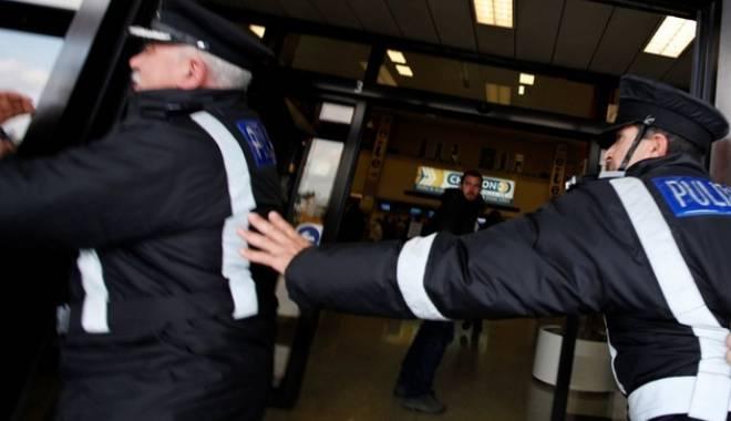 Foto: Prins pe aeroport cu droguri ascunse în ...dulciuri!