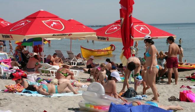 Foto: 11.000 de turişti vor putea beneficia de vacanţe pe litoral la tarife reduse