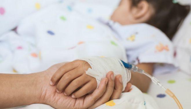 Aproape 300 de copii cu COVID-19 sunt spitalizați / Câți copii sunt internați la ATI cu forme grave de COVID - mana-1632743876.jpg