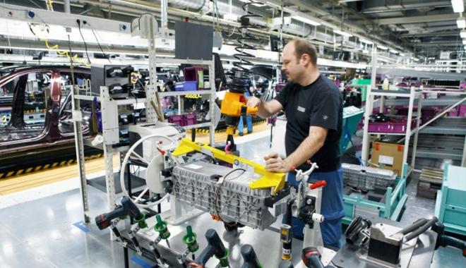 Foto: Managerii pariază pe creşterea economiei în următoarele trei luni