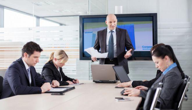 Foto: Managerii din economie estimează că activitatea și prețurile  vor crește în următoarele luni