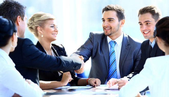 Managerii din economie estimează că activitatea va crește cu moderație - managerii-1538401157.jpg