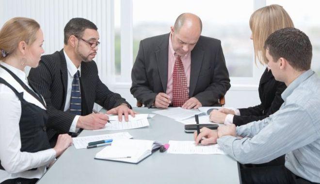 Managerii privesc cu încredere viitorul pe termen scurt al economiei - managerii290620202-1593440348.jpg