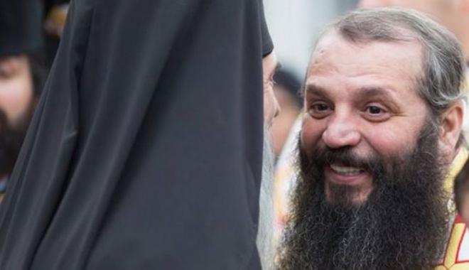 Foto: Managerul Arhiepiscopiei Tomisului, reţinut de poliţişti pentru evaziune fiscală