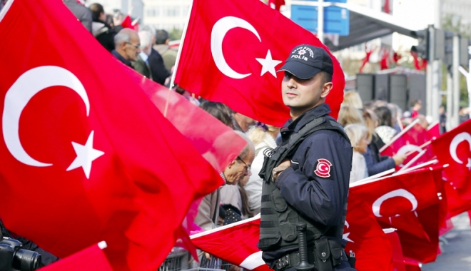 Foto: Mandate de arestare împotriva a peste 260 de presupuşi gulenişti