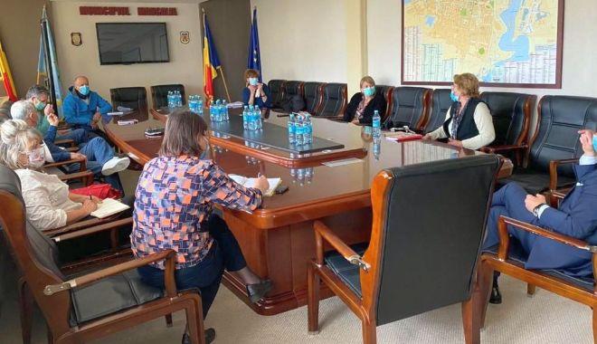 """Foto: Primarul Cristian Radu: """"Școlile din Mangalia sunt pregătite pentru reluarea cursurilor"""""""