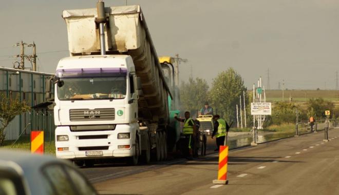 Foto: De ce nu poate fi asfaltată Mangalia? Primarul acuză PSD că blochează proiectul, Foleanu îi cere să se apuce de treabă