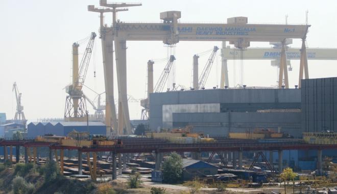 Foto: Mangalia a pierdut definitiv o parte din Santierul Naval DMHI. Se cer demisiile celor responsabili