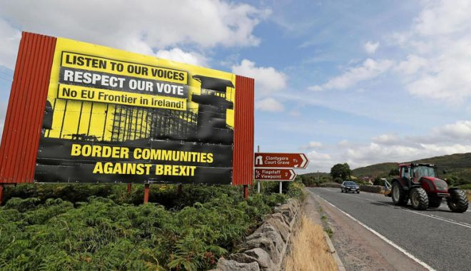Foto: Marea Britanie pregăteşte noi propuneri privind frontiera irlandeză