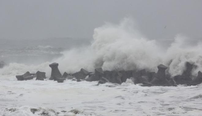 Foto: CONSTANŢA INTRĂ SUB AVERTIZARE COD GALBEN! Ce spun meteorologii