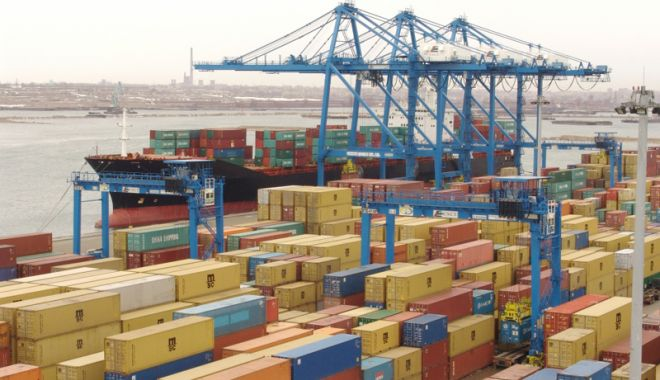 Foto: Jocuri chinezeşti, confiscate în Portul Constanţa Sud Agigea