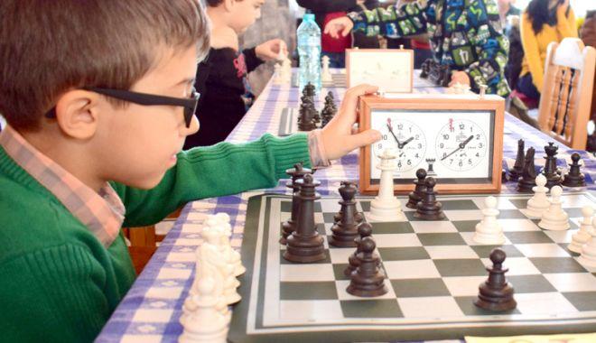 Foto: Mari ambiţii la Festivalul Șahului Juvenil de la Palatul Copiilor