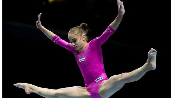 Foto: Maria Holbură, finalistă la paralele, la Cupa Mondială