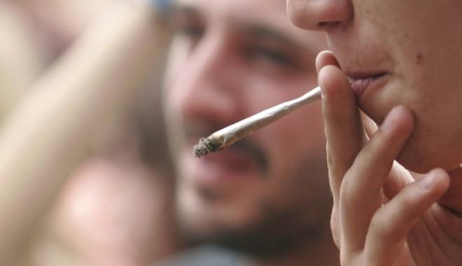 Foto: Băncile din America, încurajate să deschidă conturi dealerilor de marijuana