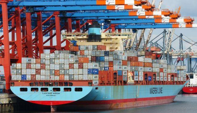 Navigatori evacuați de pe vapor și duși la spital, la tratament. Covid-19 a urcat la bordul unui portcontainer - marinari-1585471315.jpg