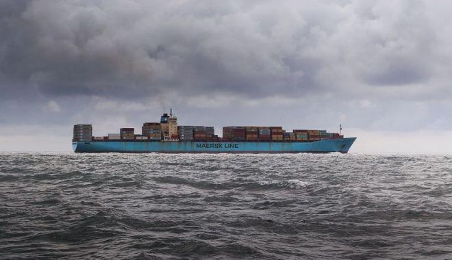 Incendiu la bordul unui port-container! Unde s-a petrecut incidentul și ce s-a întâmplat cu echipajul - marinari-1588247759.jpg