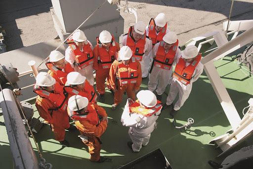 Împiedicăm schimburile de echipaje la nave, dar sprijinim migrația căpșunarilor! - marinari1-1586090272.jpg