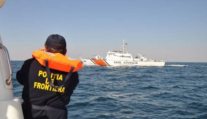 Foto: Turişti salvaţi în zona Periboina de Garda de Coastă