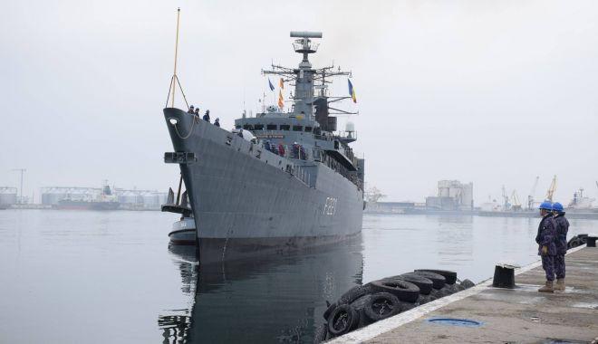 Foto: Marinarii militari, în marş de instrucţie pe Dunăre, cu escale în cinci porturi