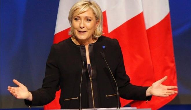 """Foto: Marine Le Pen: """"Alegerile din Italia  ar putea accelera sfârşitul UE"""""""