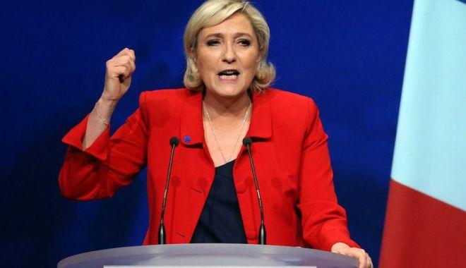 Prinsă cu mâţa-n sac! Marine Le Pen trebuie să restituie Parlamentului European 300.000 de euro - marine-1529414545.jpg