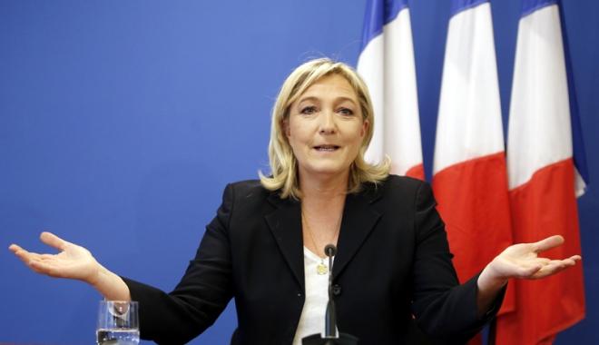 """Foto: Marine Le Pen, favorită la preşedinţia Franţei:  """"Dacă Trump este posibil, atunci orice este posibil"""""""