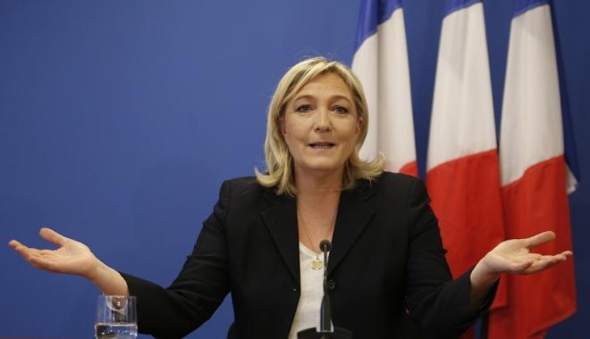 """Foto: Marine Le Pen salută votul din Italia: """"Italienii au respins UE şi pe Renzi"""""""
