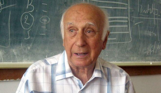 Foto: Profesorul Marin Petrişor s-a stins din viaţă. Lumea academică constănţeană a pierdut încă un om de mare valoare