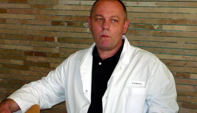 Foto: Flagrant DNA �n Spitalul Jude�ean Constan�a. �eful Clinicii de Chirurgie Vascular�, dr. Marius Militaru, �i al�i doi medici, re�inu�i pentru luare de mit�