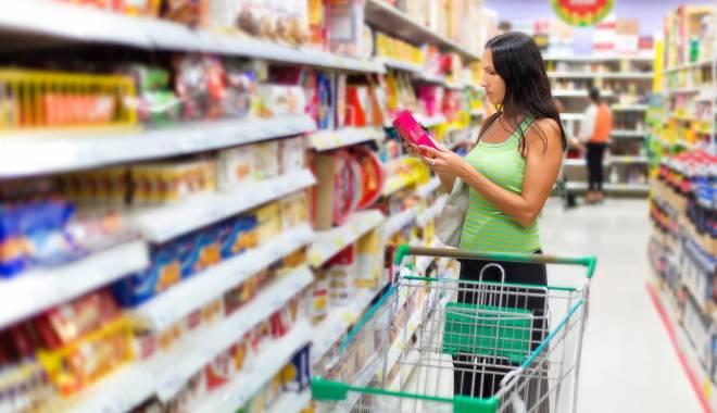 Foto: Supermarketurile, verificate de inspectorii DSV