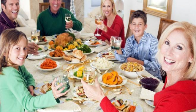 Foto: Ce să mâncăm fără să ne îngrăşăm de sărbători