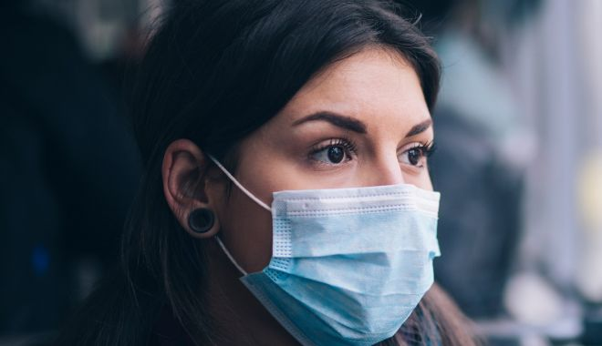 Focar de coronavirus într-o comunitate de români din Germania: un mort și 37 de infectați - masca-1592463361.jpg