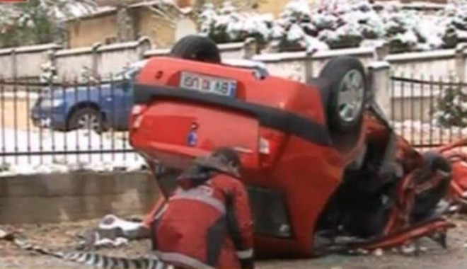Tragedie rutieră provocată de Șerban Huidu - masina2-1318797379.jpg