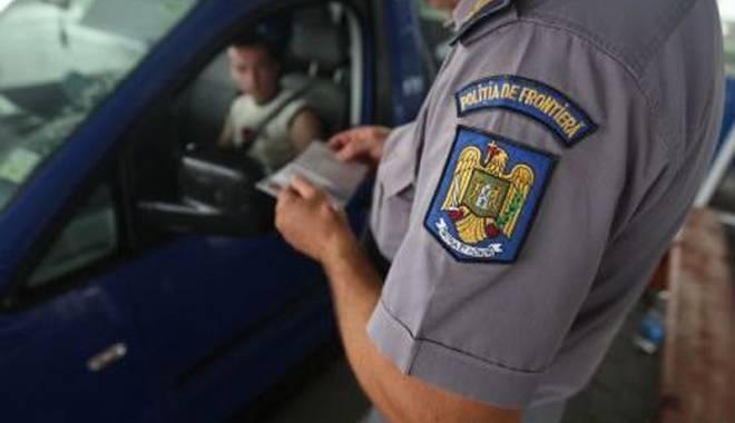 """Foto: Maşină """"texană"""" cu acte false,  oprită la graniţă"""