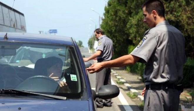 Foto: Maşină cu acte false, oprită la graniţă