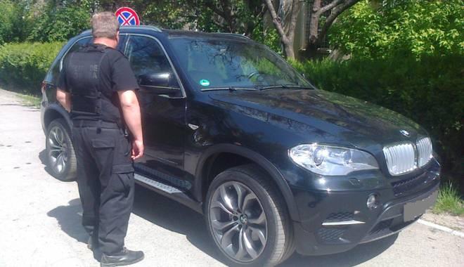 Foto: Maşină de lux furată din Italia, confiscată  la Constanţa