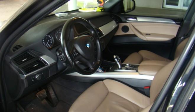 Foto: Verificaţi actele maşinii înainte să o cumpăraţi?