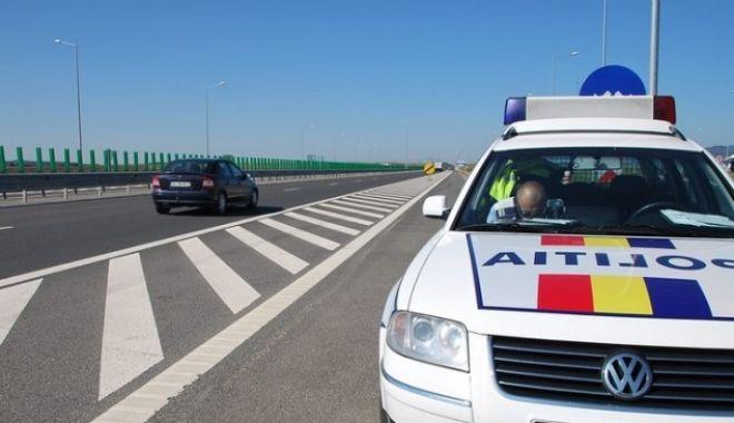 Foto: Record de viteză pe autostradă. Cine e şoferul care a mers cu 236 km pe oră