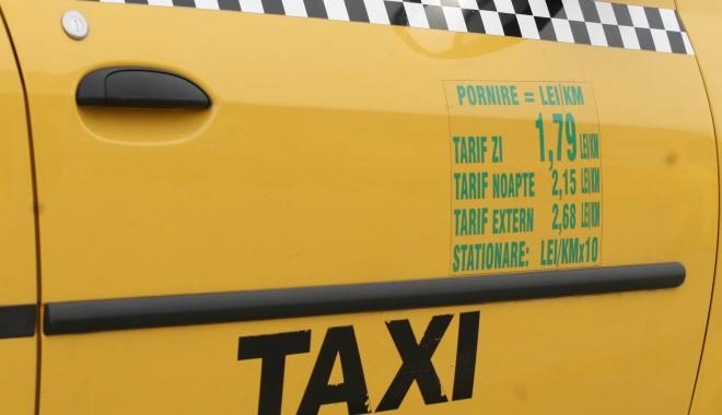 Foto: Taximetrist beat, prins la volan