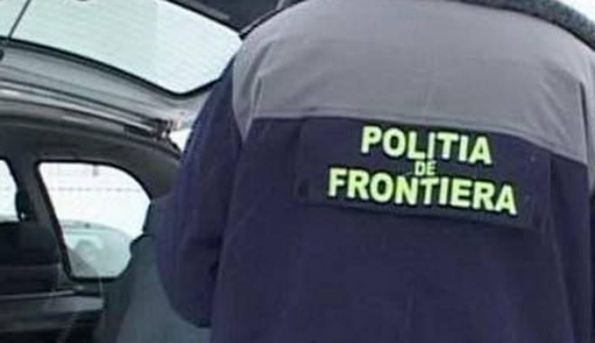 Foto: Maşini cu acte false,  oprite de poliţişti