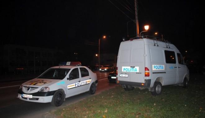 Foto: Urmărire ca-n filme pe străzile din Constanţa. Un poliţist a fost lovit cu maşina de un şofer supărat