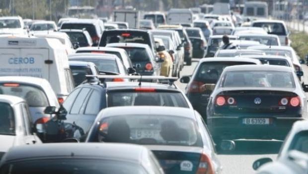 Foto: Ministerul Mediului pregăteşte o nouă taxă auto pentru cei care poluează