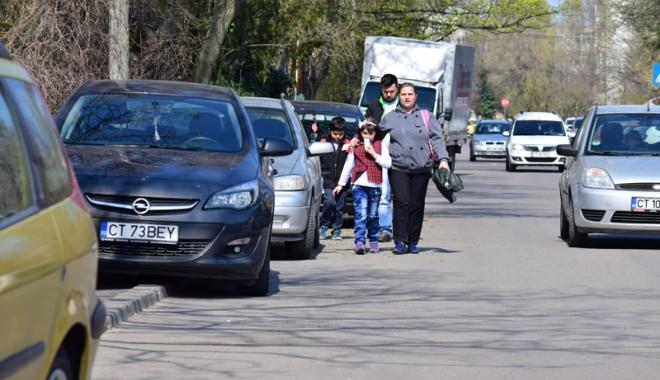 Foto: Cum vrea Primăria Constanţa să rezolve problema locurilor de parcare