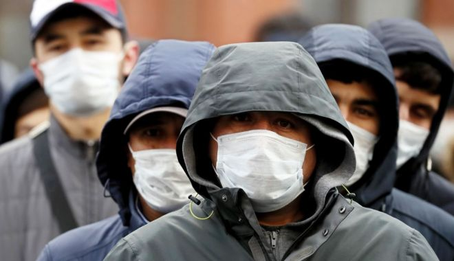 Distribuția pe județe a cazurilor noi de Covid. Capitala rămâne pe primul loc, patru alte județe depășesc 100 de infectări - masti-1610883035.jpg